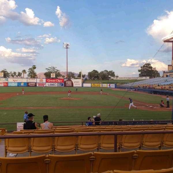 Cashman Field, vak: 8, rij: L