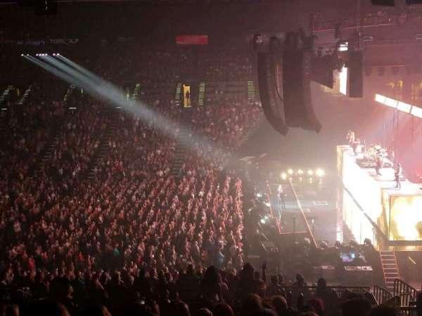 MGM Grand Garden Arena, vak: 216, rij: J