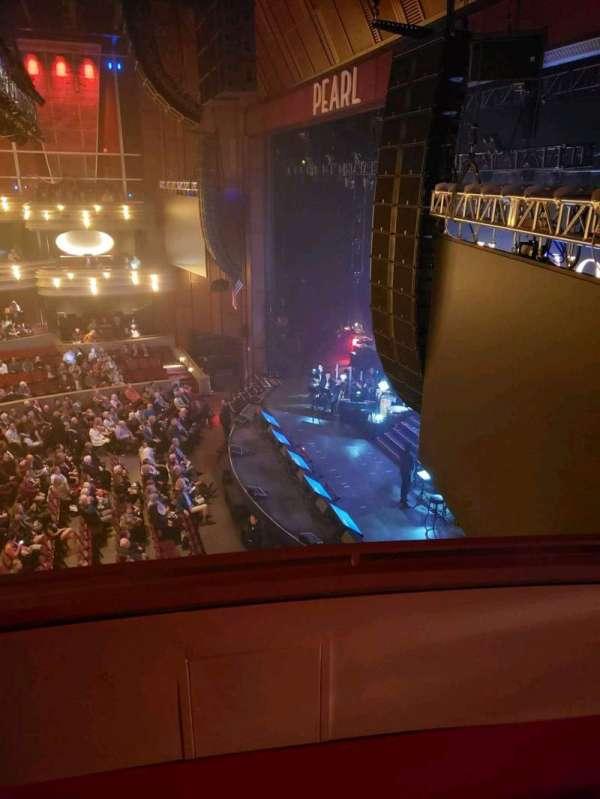 Pearl Theater, vak: Box 311, rij: C, stoel: 3