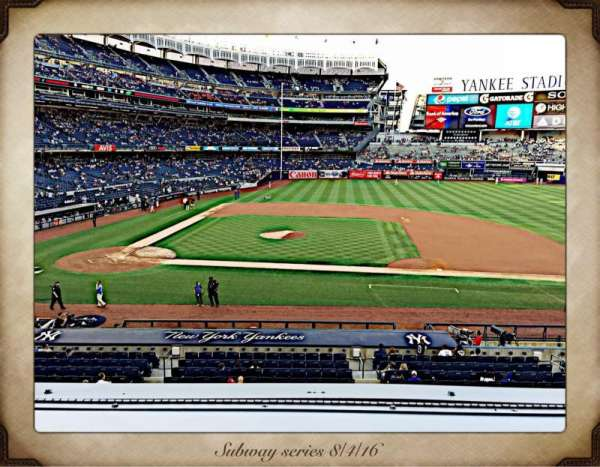 Yankee Stadium, vak: 216, rij: 1, stoel: 7