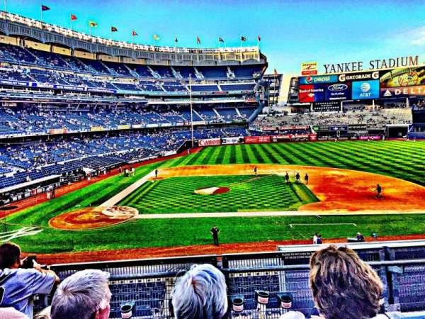 Yankee Stadium, vak: 216, rij: 4, stoel: 13
