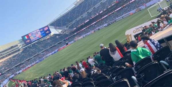 Soldier Field, vak: 101, rij: 13, stoel: 1