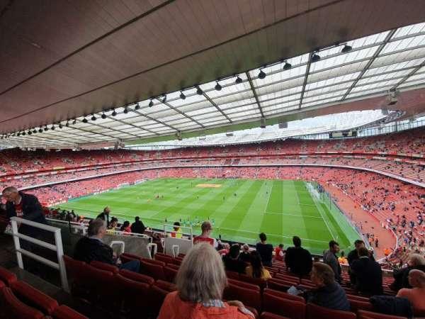 Emirates Stadium, vak: 110, rij: 13, stoel: 526