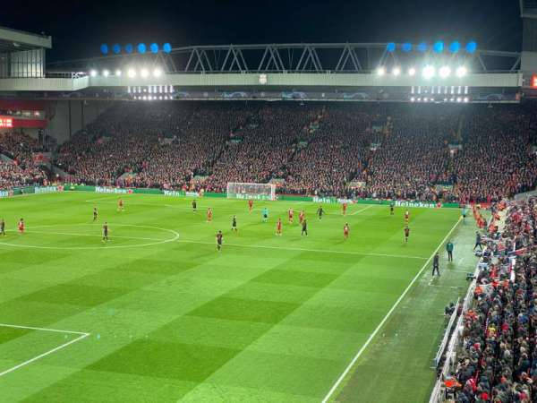 Anfield, vak: 221, rij: 3, stoel: 23