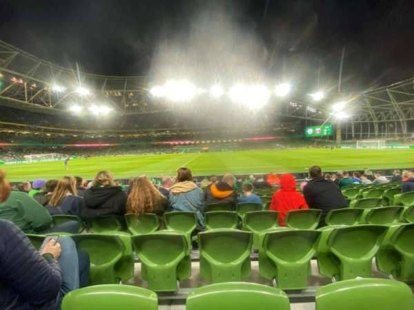 Aviva Stadium, vak: 104, rij: M, stoel: 20