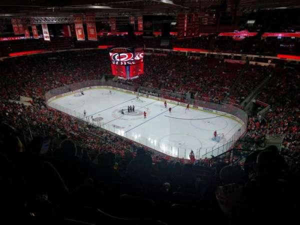PNC Arena, vak: 320, rij: J, stoel: 3