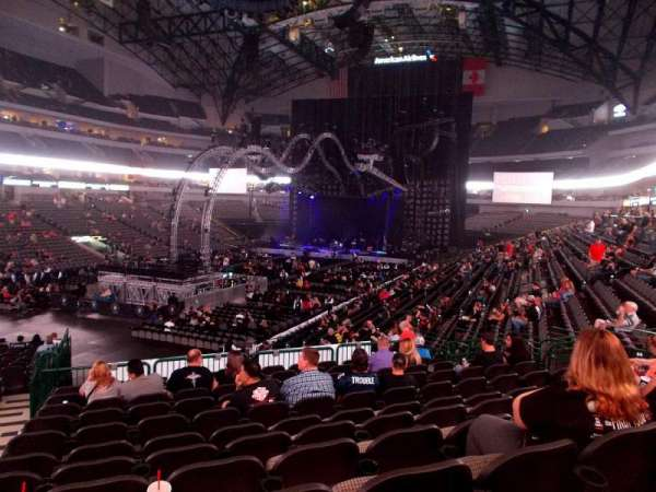 American Airlines Center, vak: 110, rij: X, stoel: 20