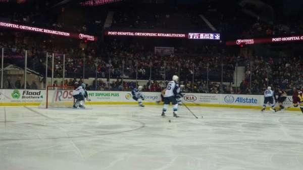 Allstate Arena, vak: 103, rij: AA, stoel: 18