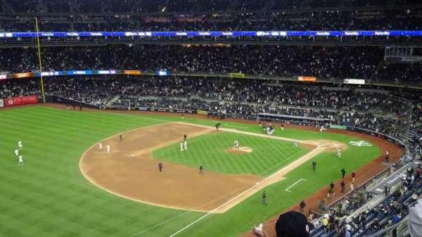 Yankee Stadium, vak: 329, rij: 3, stoel: 22