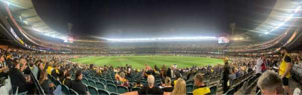 Melbourne Cricket Ground, vak: M15, rij: V, stoel: 8
