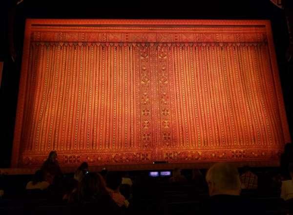 Hippodrome Theatre, vak: Center Orchestra, rij: J, stoel: 107