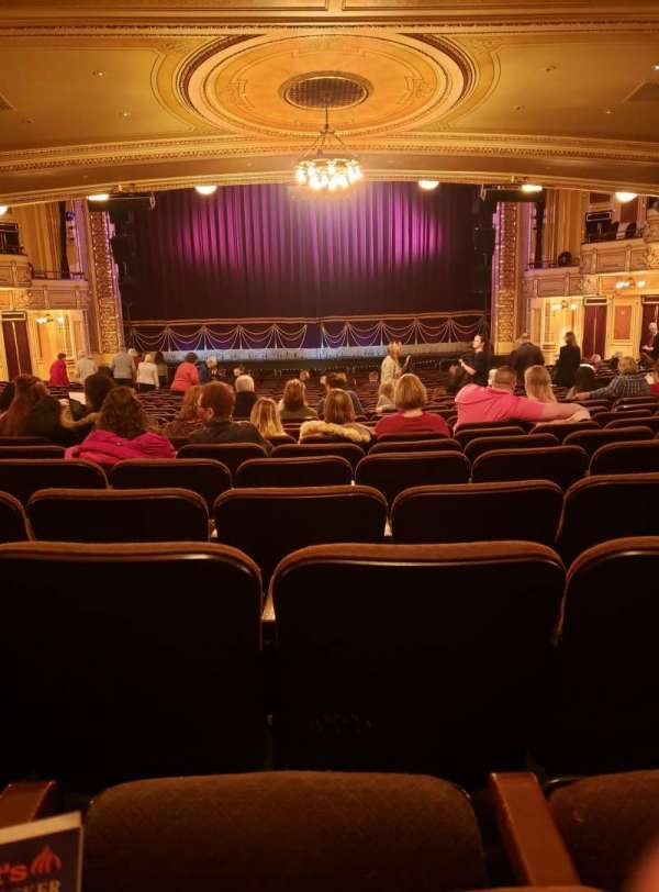 Hippodrome Theatre, vak: Center Orchestra, rij: CC , stoel: 108-109