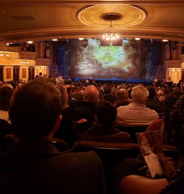Hippodrome Theatre, vak: Center Orchestra, rij: CC, stoel: 108-109
