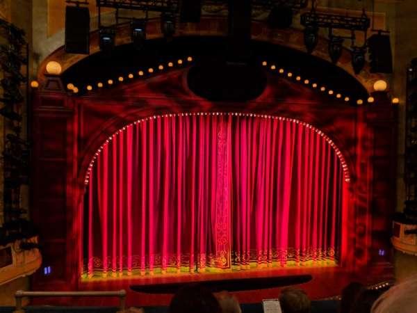 Shubert Theatre, vak: Mezzanine C, rij: D, stoel: 114