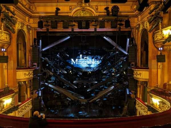 Gielgud Theatre, vak: Dress Circle, rij: F, stoel: 17