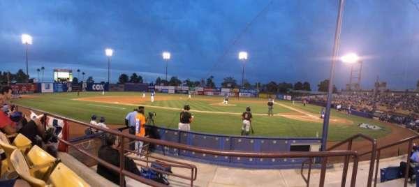 Cashman Field, vak: 8, rij: b, stoel: 3