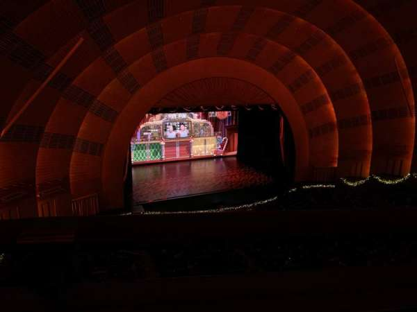 Radio City Music Hall, vak: 3rd Mezzanine 6, rij: A, stoel: 611