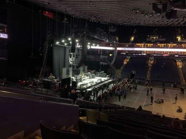 Oakland Arena, vak: 115, rij: 21, stoel: 10