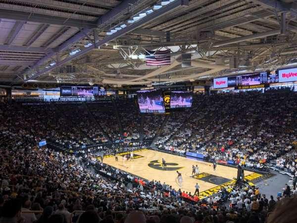 Carver-Hawkeye Arena, vak: E, rij: 32, stoel: 12