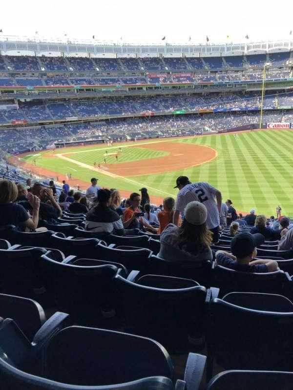 Yankee stadium, vak: 210, rij: 19, stoel: 4