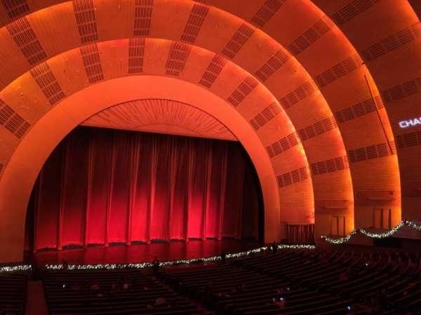 Radio City Music Hall, vak: 1st Mezzanine 6, rij: A, stoel: 604