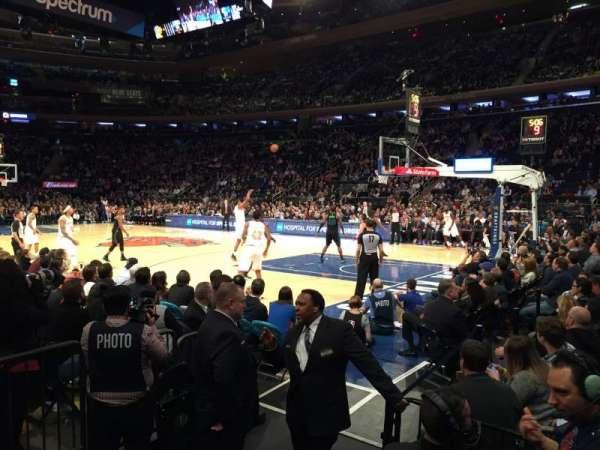 Madison Square Garden, vak: 119, rij: 1
