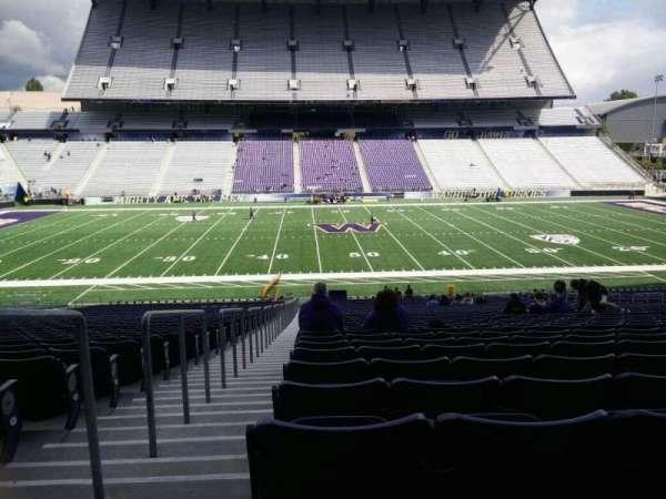Husky Stadium, vak: 106, rij: 40, stoel: 25