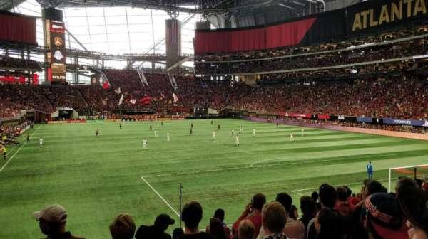 Mercedes-Benz Stadium, vak: 121, rij: 19, stoel: 12