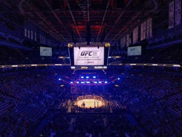Scotiabank Arena, vak: 315, rij: 2, stoel: 9
