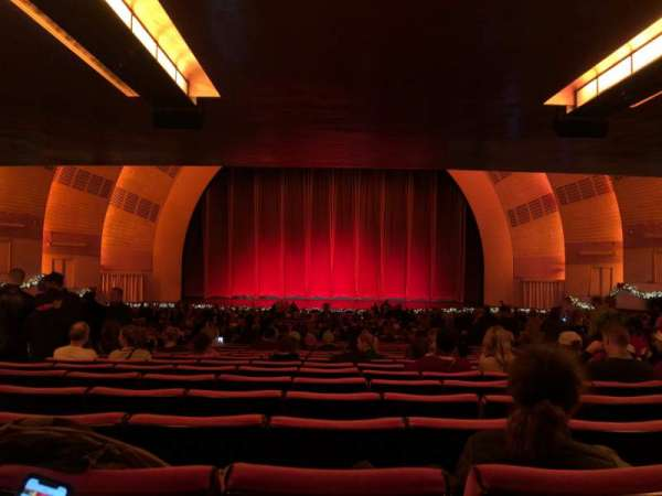 Radio City Music Hall, vak: Orchestra 4, rij: W, stoel: 408