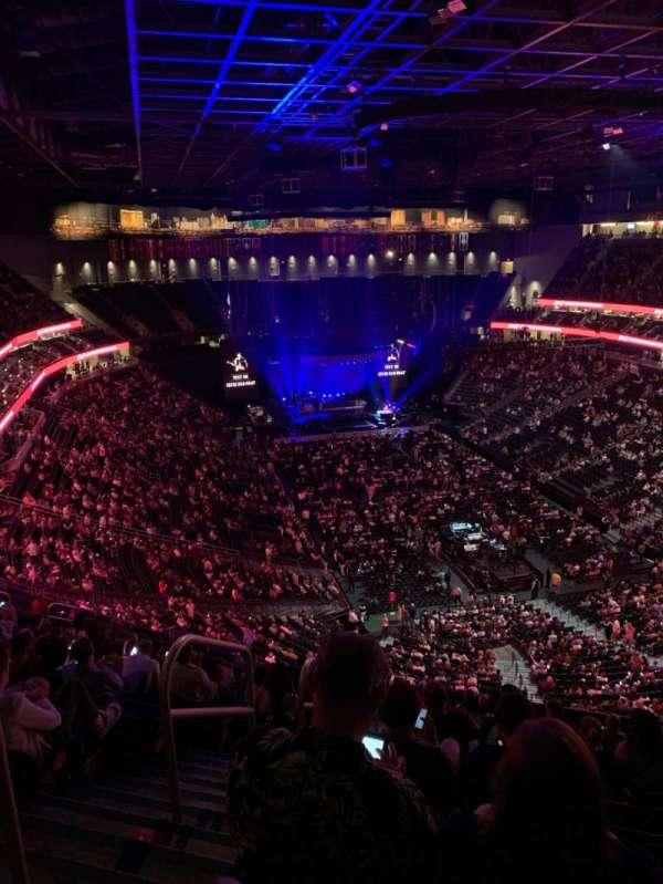 T-Mobile Arena, vak: 212, rij: Q, stoel: 1,2