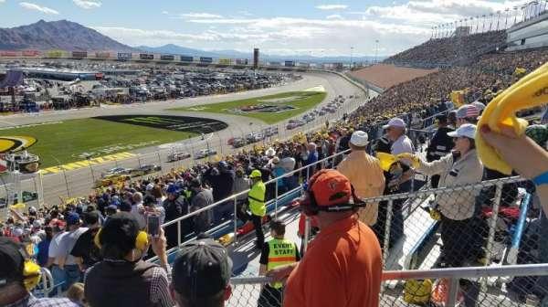 Las Vegas Motor Speedway, vak: 2M, rij: 37, stoel: 18