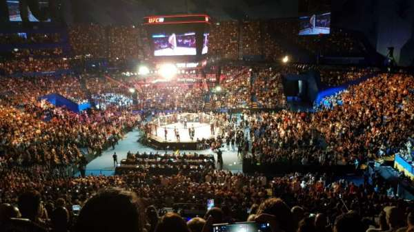 RAC Arena, vak: 304-1, rij: M, stoel: 10