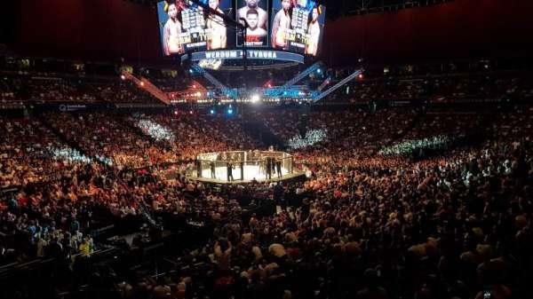 Qudos Bank Arena, vak: 18-1, rij: KK, stoel: 384