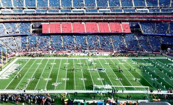 Gillette Stadium, vak: 333, rij: 4, stoel: 1
