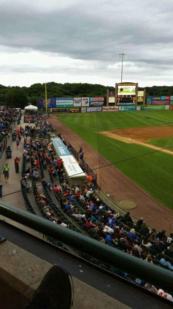 Bethpage Ballpark, vak: 402, rij: A, stoel: 14