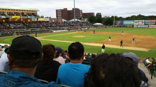 Bethpage Ballpark, vak: 210, rij: V, stoel: 1