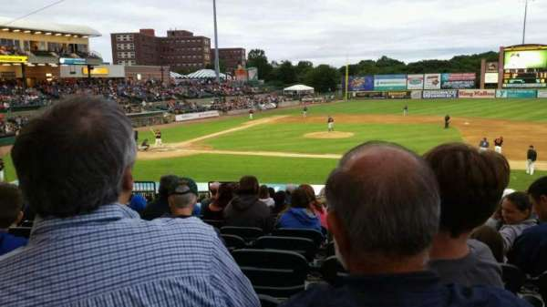Bethpage Ballpark, vak: 208, rij: V, stoel: 15