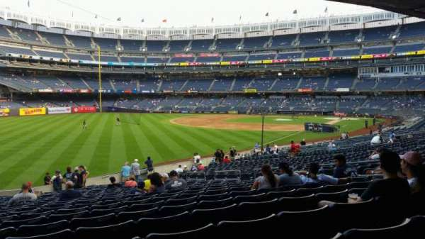Yankee Stadium, vak: 131, rij: 23, stoel: 13
