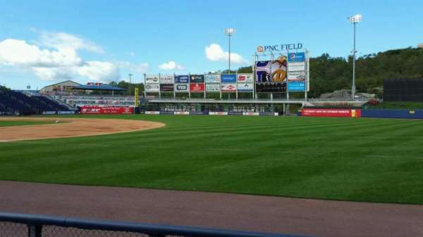 PNC Field, vak: 13, rij: 4, stoel: 6
