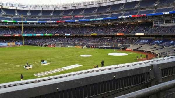 Yankee Stadium, vak: 227B, rij: 1, stoel: 8