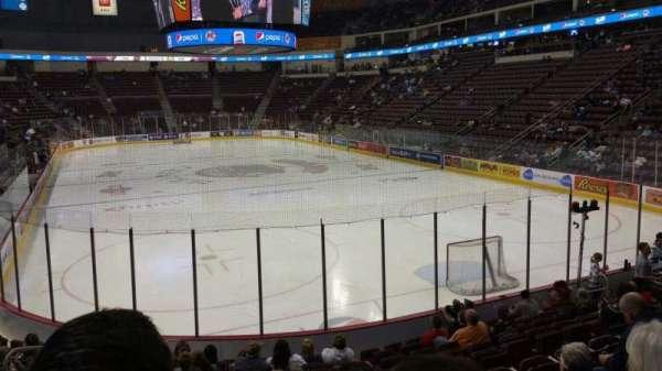 Giant Center, vak: 125, rij: M, stoel: 5