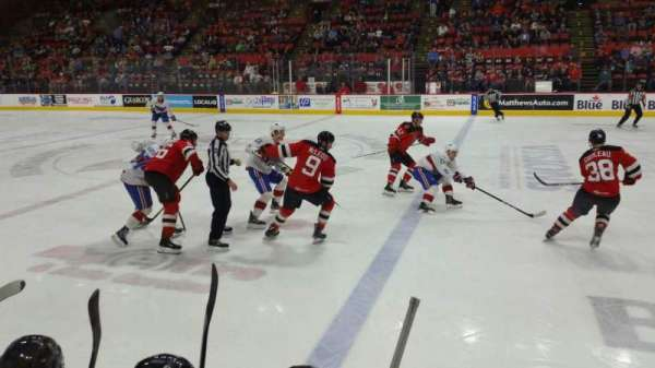 Floyd L. Maines Veterans Memorial Arena, vak: 14, rij: BB, stoel: 7