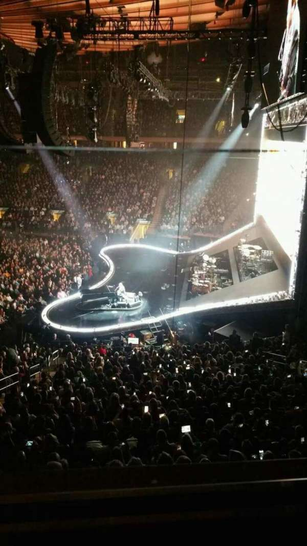 Madison Square Garden, vak: 213, rij: 1, stoel: 9