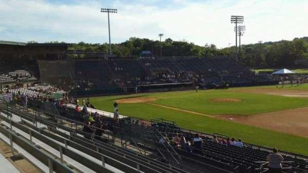 New Britain Stadium, vak: 201, rij: J, stoel: 1