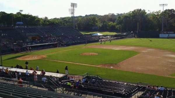 New Britain Stadium, vak: 202, rij: P, stoel: 1