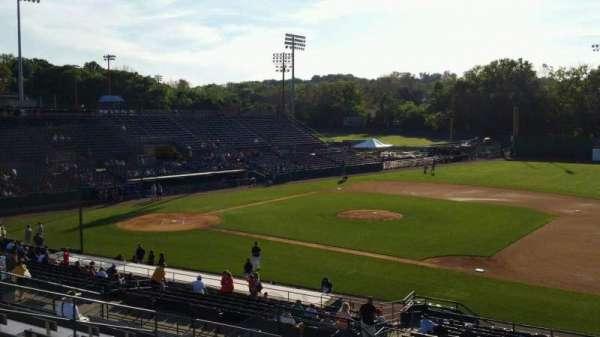 New Britain Stadium, vak: 202, rij: P, stoel: 11