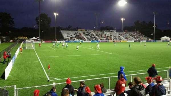 Dillon Stadium, vak: 1, rij: G, stoel: 12