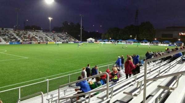 Dillon Stadium, vak: 1, rij: G, stoel: 6