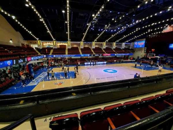 Westchester County Center, vak: 40RGT, rij: B, stoel: 49